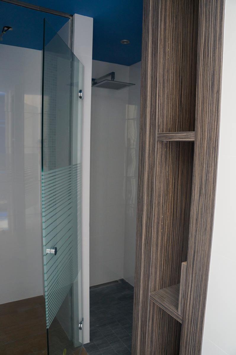 salle de bain sainte pazanne guillaud patrice plombier ste pazanne patrice guillaud. Black Bedroom Furniture Sets. Home Design Ideas
