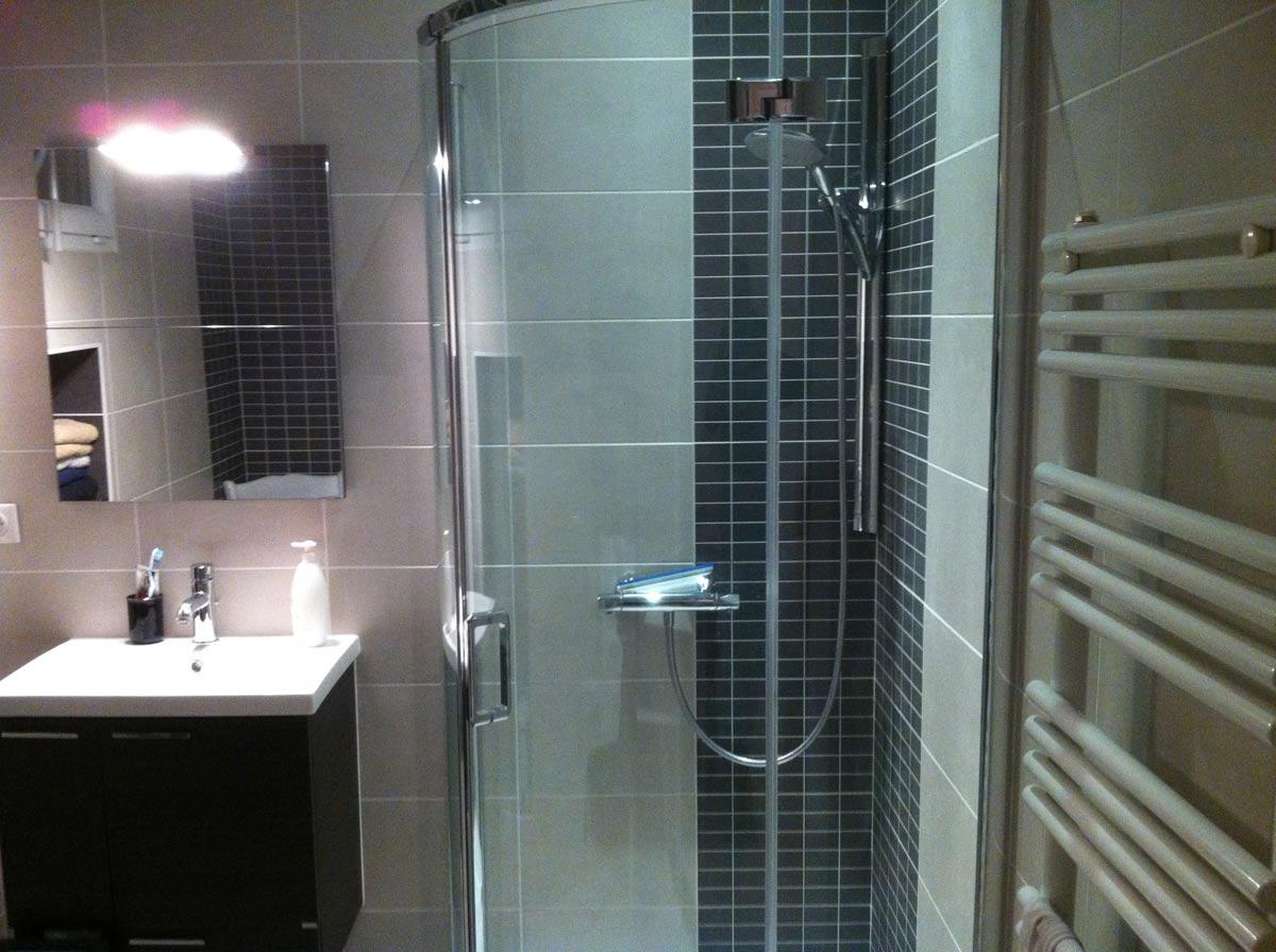 Sanitaire salle de bain guillaud ste pazanne patrice for Sanitaire salle de bain
