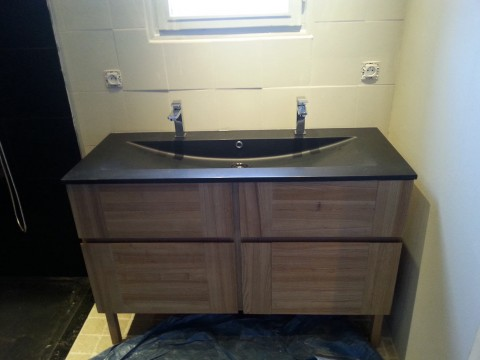 Vasque double plombier à Nantes : Patrice Guillaud plombier en région nantaise : salle de bain, vasque, évier, baignoire et douche près de Nantes